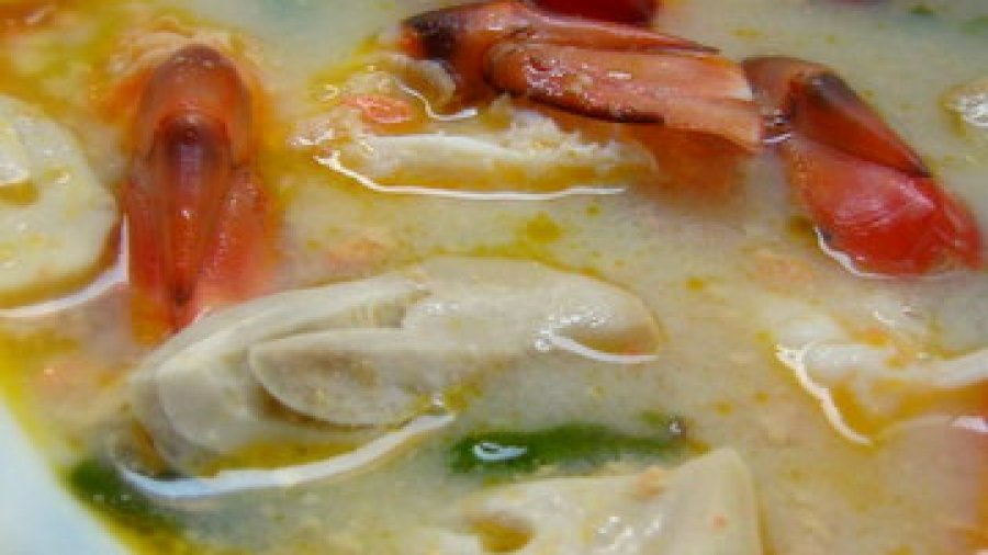 Tom Yam Kung Recipe, Hot and Sour Soup with Shrimp (tom yum goong ; ต้มยำกุ้ง)