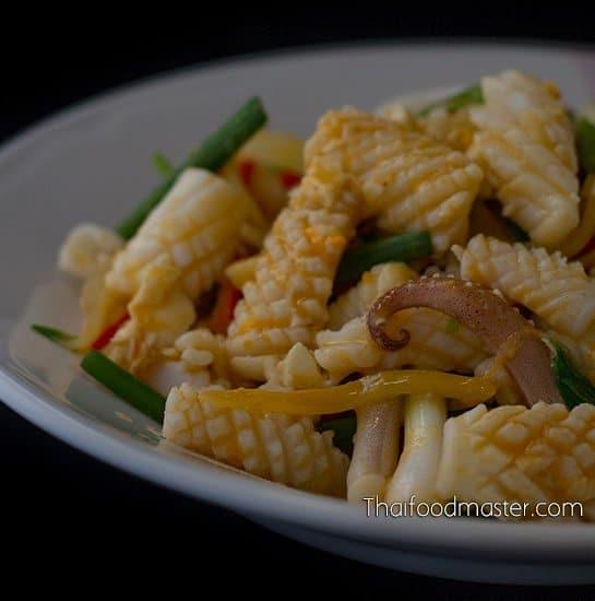 Stir-Fried Squid with Salted Duck Eggs ; ปลาหมึกผัดไข่เค็ม ; bplaa meuk phat khai khem