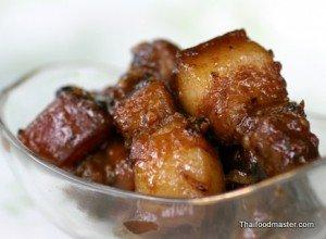 Phuket Style Sweet Pork Braised with Soy Sauce <br>(หมูฮ้องอาหารท้องถิ่นของภูเก็ต ; Muu Haawng)