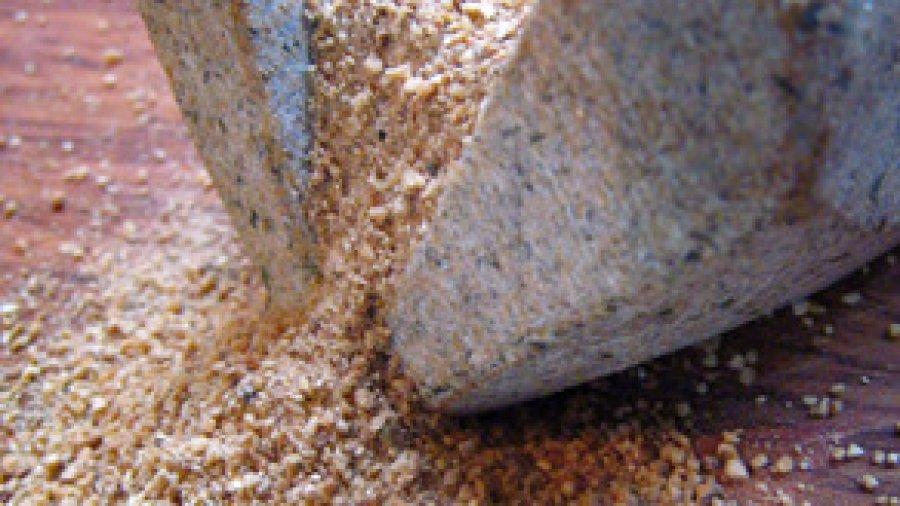 Ground Roasted Rice  (ข้าวคั่ว ; khaao khuaa)