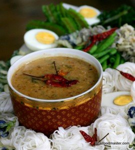 Rice Noodles with Shrimp and Aromatic Coconut Sauce <br>(khanohm jeen naam phrik goong; ขนมจีนน้ำพริกกุ้งสูตรมหาเด็ด)