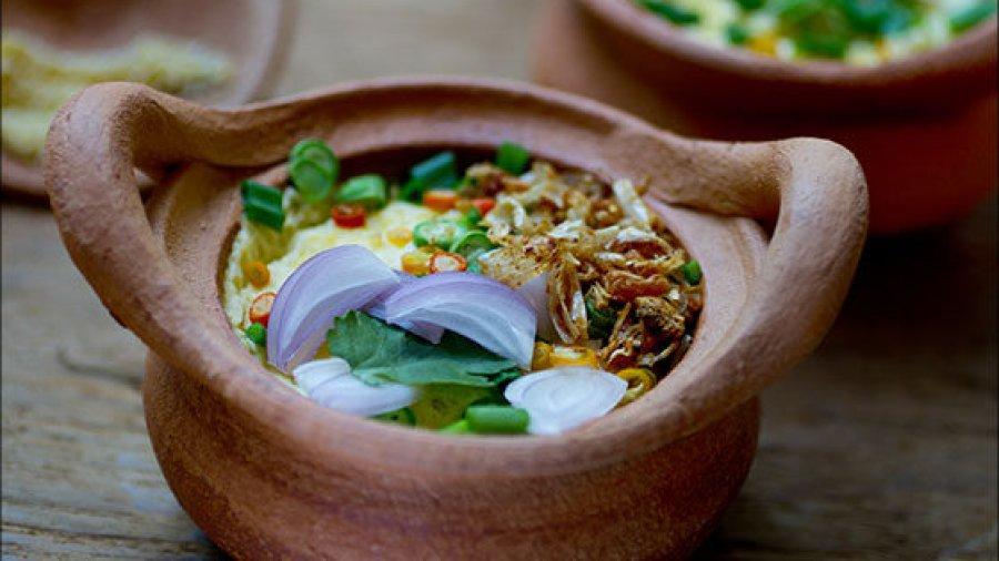 Southern Thai Style Savory Eggs Mousse(khai dtoon gabpi naam ; ไข่ตุ๋นกะปิน้ำ)