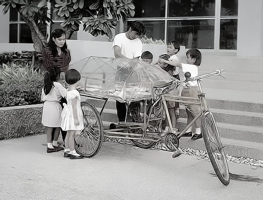 retro-thai-tricycle-candy-BW