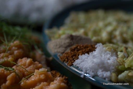ข้าวเม่าเบื้อง ; khaao mao beuuang