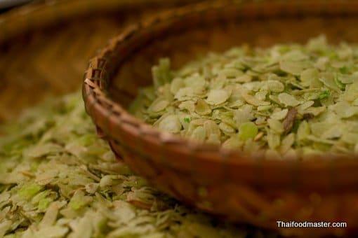 ข้าวเม่า (khaao mao) Pounded Unripe Rice