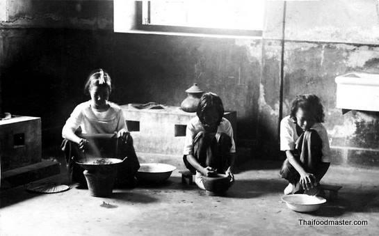 traditional-thai-kitchen