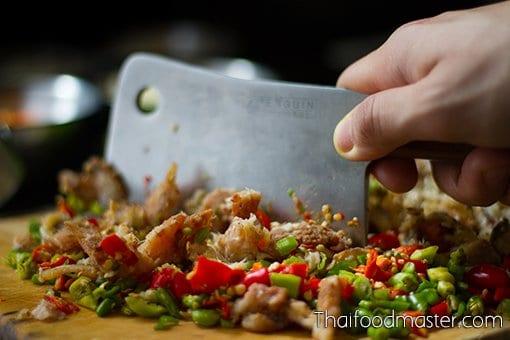 Relish of Fermented Fish, Grilled Catfish, Pork and Shrimp ; ปลาร้าผัดทรงเครื่องสูตรสายเยาวภา