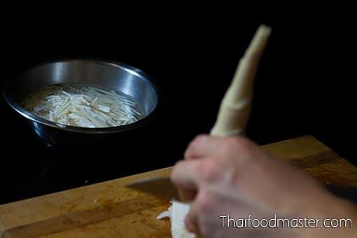 Coconut Braised Sun-Dried Salted Beef with Bamboo Shoots (แกงต้มกะทิเนื้อโคเค็ม ; gaaeng dtohm gathi neuua khoh khem)