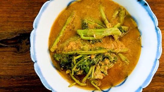 Sour Curry with Morning Glory แกงส้มผักบุ้งglory
